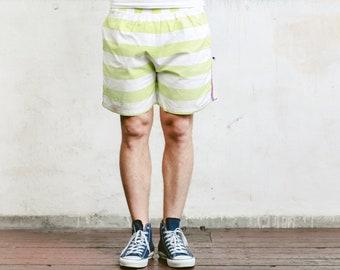Mens Striped Beach Shorts . Vintage Men Printed Surfer Shorts 90s Shorts Adventure Wear Mens Summer Pants Holiday Shorts  . size Large L