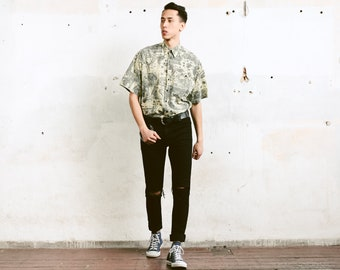 Printed Men 90s Summer Shirt . Patterned Shirt Short Sleeve Casual Shirt Everyday Shirt Soft Shirt Flower Print Shirt . size Large L