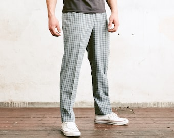 Check Print Men Trousers . Vintage Mens 80s Pleated Waist Tapered Pants Dad Pants Oldschool Chinos Nerd Everyday Clothing . size Medium M