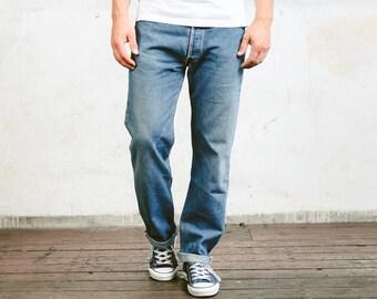 Levis 501 Denim Pants . Vintage Jeans Medium Wash Blue Denim Pants Dad Jeans Casual Trousers . size W34 L32