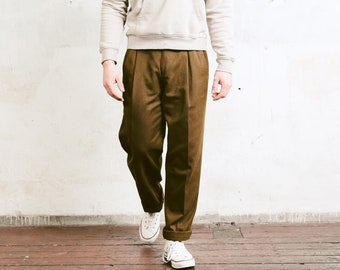Vintage Brown Chino Pants . 90s Vintage Brown Trousers Pleated Waist Pants Straight Wide Leg Dad Pants Everyday Clothing . size Medium M