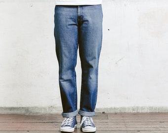Vintage Men Wrangler Jeans . Straight Leg Dark Blue 90s Jeans 90s Boyfriend Jeans 90s Denim Pants Menswear . W32 L32