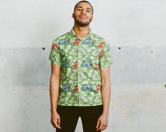 Car Print Patterned 90s Shirt . Mens Vintage Novelty Print Green Unisex Shirt Short Sleeve Ibiza Clothing Colorful Summer Top . size Small S