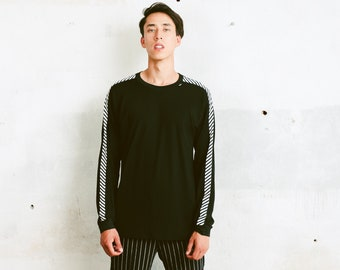 Helly Hansen Tape Sleeve Shirt . Black Sports Jersey Vintage Long Sleeve Tee Shirt Men's Black T-shirt 90s . size Medium