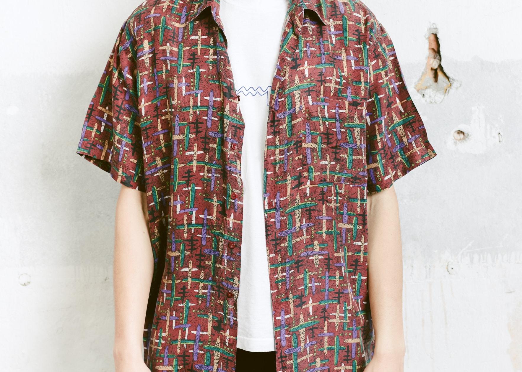 ea6ed9d2ee3 90s Patterned Men Silk Shirt . Men s Vintage 90s Silk Shirt Summer ...