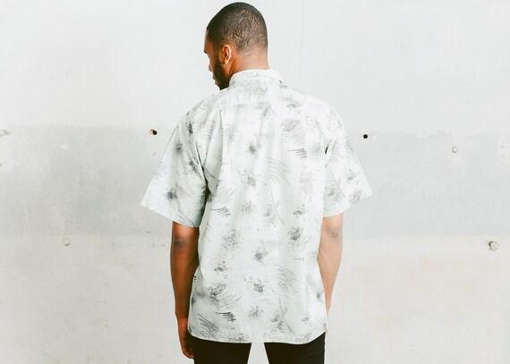 size Medium M Vintage Short Sleeve Vacation MinimalistPrint Summer Top 90s Skater Shirt Oversized Mens Shirt Beige Linen Men Shirt