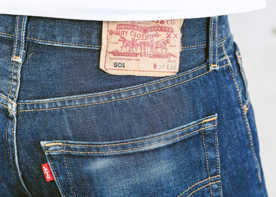 Levis 501 Dark Denim Jeans   Vintage Jeans Dark Wash Dark Blue Denim Pants  Dad Jeans Casual Trousers   size W31 L36