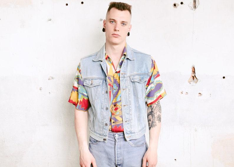 61bcda2bf Vintage Light Wash Denim Vest . Men Sleeveless Jean Jacket 90s Grunge Vest  Denim Gilet Faded Trucker Vest Hipster Punk Vest . size Small S