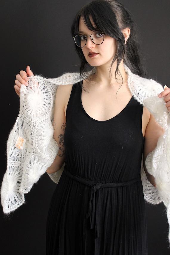 vintage 40's - 50's handmade acrylic doily shawl … - image 7