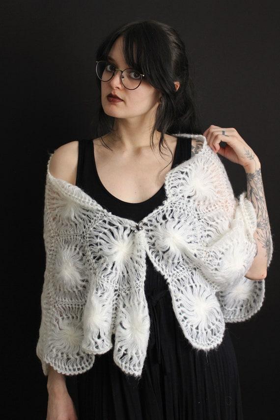 vintage 40's - 50's handmade acrylic doily shawl … - image 8