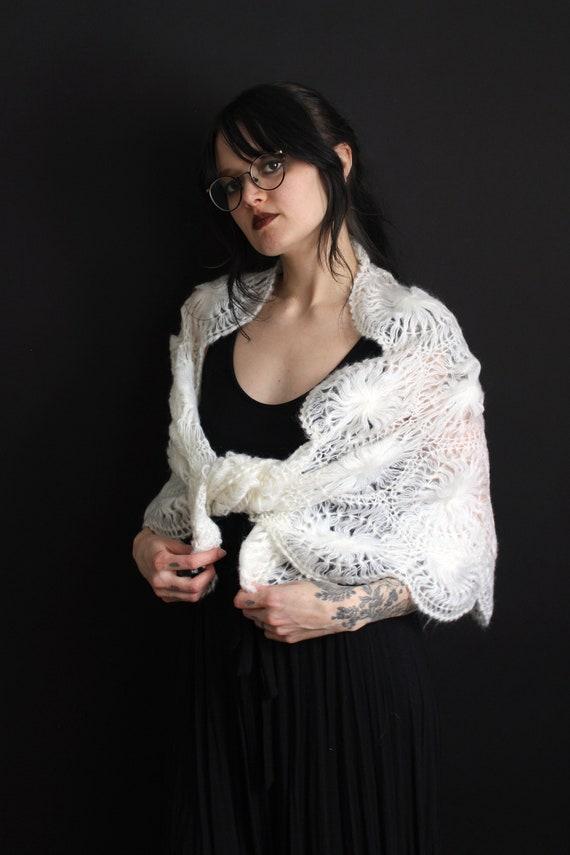 vintage 40's - 50's handmade acrylic doily shawl … - image 9