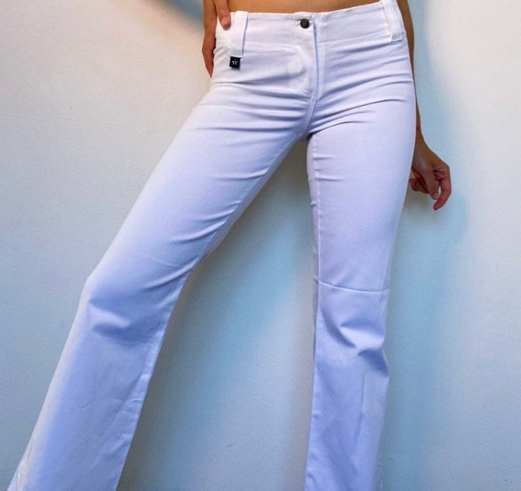 2000s white mid rise flare pants