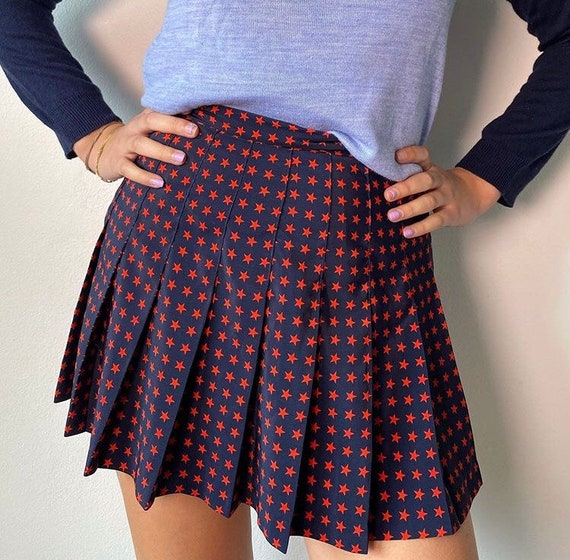 Navy & red star tennis skirt!