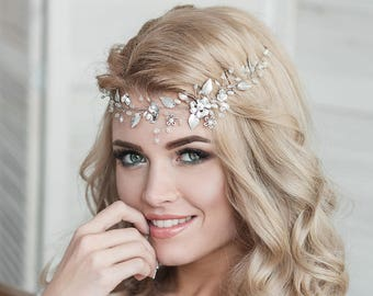 Bridal hair vine Flower hair piece  Wedding headpiece  Bridal hair accessories Pearl and crystal hair piece Boho hair vine