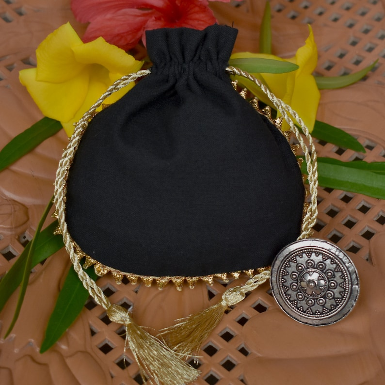 100 Golden Drawstring Pouch With Golden Tassel Personalized Jewelry Packaging Pouch Drawstring Bag