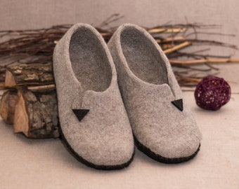 96a291b09f5ae4 Woolen slippers Handmade Felted slippers for womans Natural wool felt clogs  Woman house shoes Felted clogs large size Sole - felt