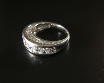 Sterling silver ring with CZ, weight 5.5 grams, size 6.5