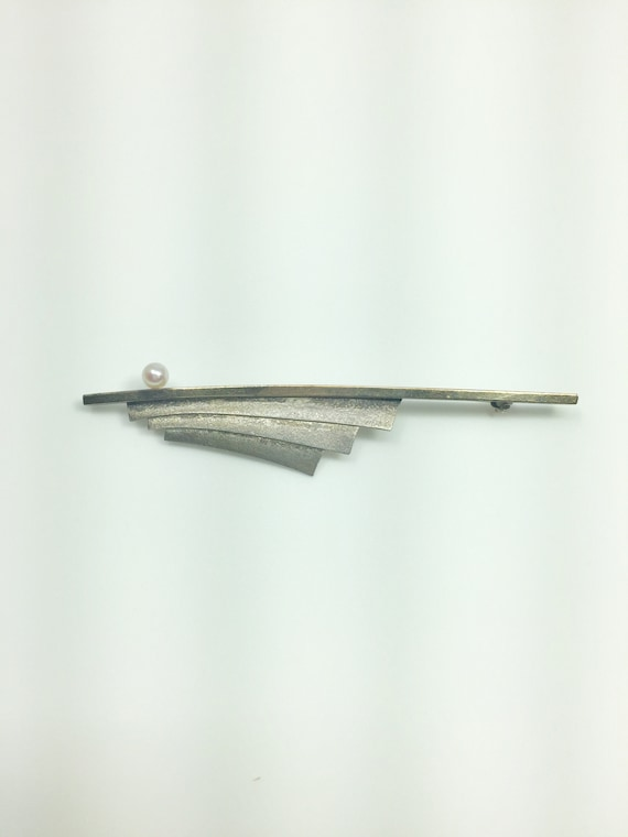 Vintage sterling silver pearl bar pin