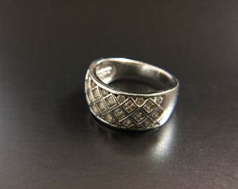 Sterling silver CZ ring, size 8, weight 5.6 grams