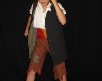 disguise / pirate costume, size 8-10 years
