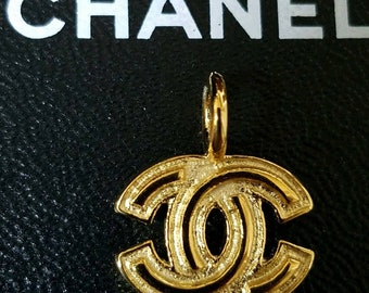 9cbc74b56ef5 Vintage Chanel Pendant Authentic