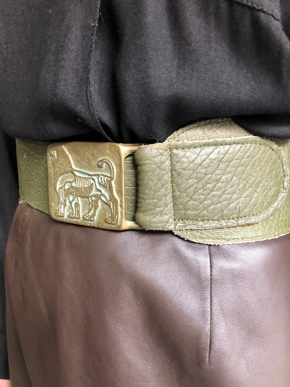 Wide Lion Buckle Leather Belt