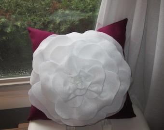 Pillow, Felt Flower Pillow, Rose Pillow, Rose Felt Pillow, Felt Rose Pillow, Home Decor, Household Decorations, Comfy Pillow