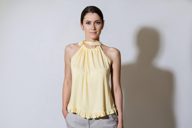 2b0b7847f18 Halter sleeveless top with ruffles Yellow Lightweight Loose