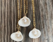 CayCay Shell necklace