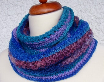 Handspun ladies crochet loop scarf in hand dyed blue teal purple, unique art yarn infinity scarf for women and girls, fall and winter