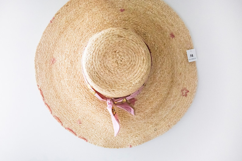 02266f31e Classic Pink Stars Straw Hat - Floppy sun hat   Gift for Her   Vacation Hat    Girlfriend Gift Ideas   Honeymoon Ideas   Unique Gift