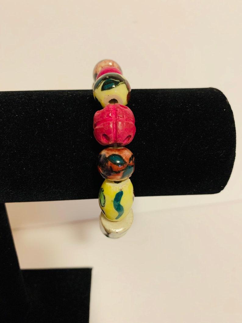 Glass beaded stretch bracelet.