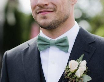 Sage Bow Tie and handkerchief sage green for men, wedding accessory, groomsmen gift, Pre-tied bowtie - Fall Winter wedding