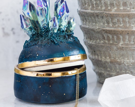 Design-Your-Own: Aurora Borealis Jewelry Box