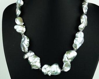 Gemjunky  Fabulous GrayBlueGreen Mother of Pearl Collar MN1573