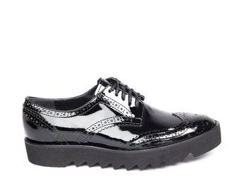 Black Shoes, Women Flats, Classic Oxford Shoes, Black Leather Shoes, Platform Shoes, Lace Shoes, Fashion Shoes, Elegant Shoes, Chunky Shoes