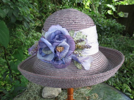 Pale Lavender Straw Hat with Silk Flowers - Vintag