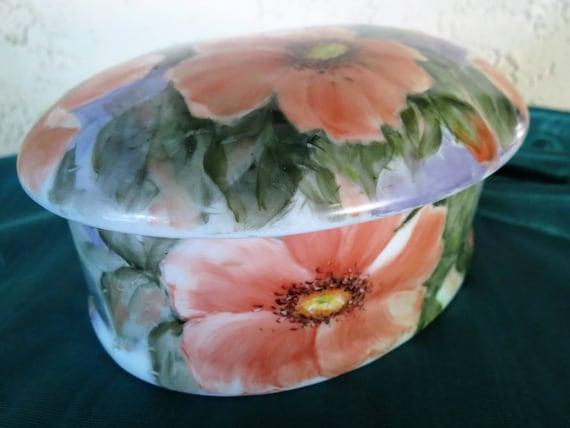 Poppies Dresser Box - Large Porcelain Trinket Box