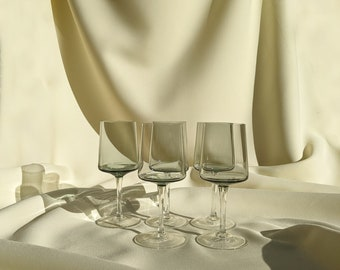 Vintage Two-Tone Drinking Cocktail Wine Glasses Set of 5 - Light Smoke Grey/Clear