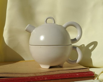 Stackable Teapot with Cup Set - Off White