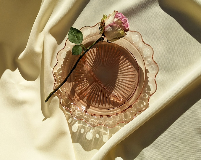 Vintage Decorative Sun Burst Sectioned Serving Dish Tray Plate - Light Pink Glass