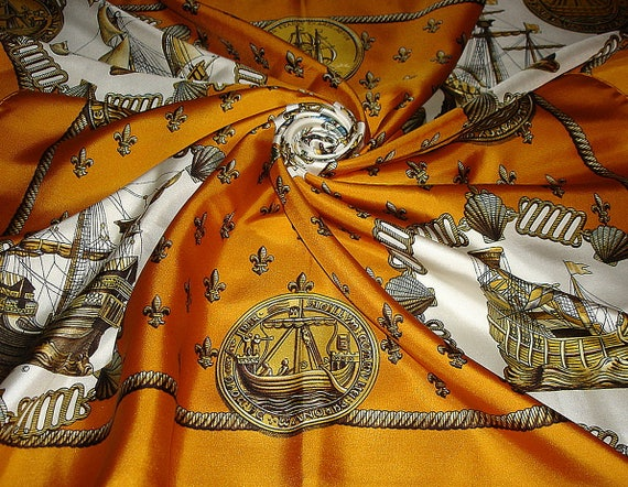 """Hermes scarf """"NEFS D'OR"""" 1971 Collector / Rare Sil"""