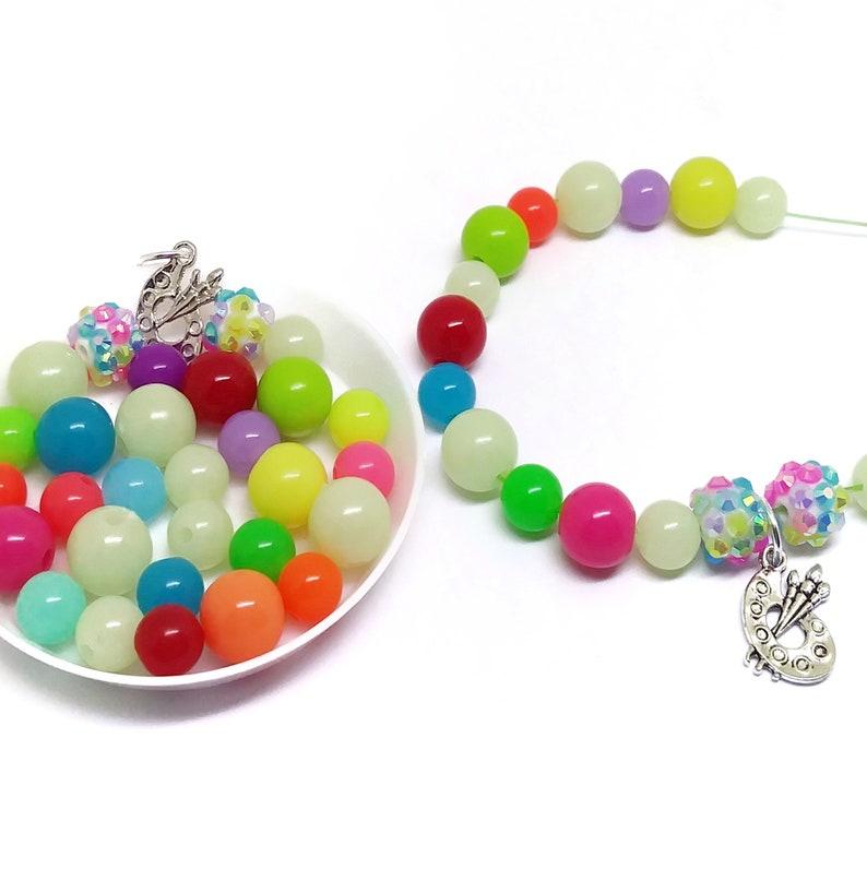 Girls bracelet kits party favors Upgrade your premade bracelet favors to come as fun diy bracelet kits