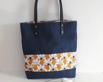 0540bc1d10 Sac cabas en lin Français- Tote bag plage, marché, shopping anses en simili  cuir sac-Sac en lin bleu grosses fleurs moutarde-Fête des mamans