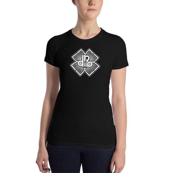 DDIIRO Athletic Logo Women's Slim Fit T-Shirt