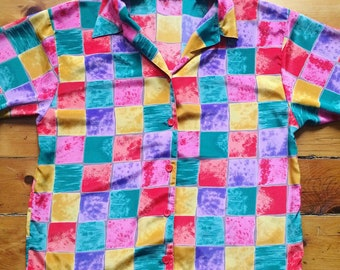 Colourful, vintage, thick checkered collared t-shirt from the 90's