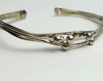 Sterling Silver Twisted Wire Bracelet with Moving Beads