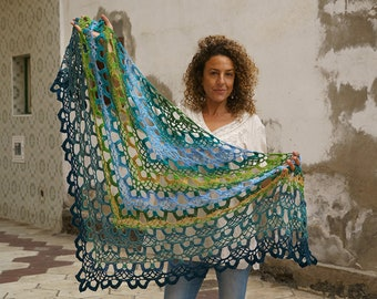 Châle de forêt tropicale exemple style Boho au Crochet, laine, châle  Triangual, châle châle de la main, rustique, vêtements femme 40f255ec6c4