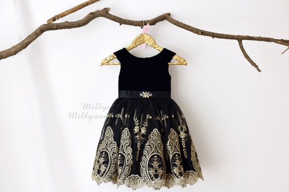 Black Velvet Cap Sleeves Gold Lace Flower Girl Dress M0028