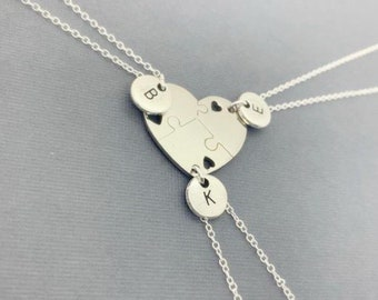 Interlocking Circle Necklace Initial Necklace,Mothers Necklace,3 Sister Necklace,Best Friend Necklace,Personalized Necklace,Initial Jewelry
